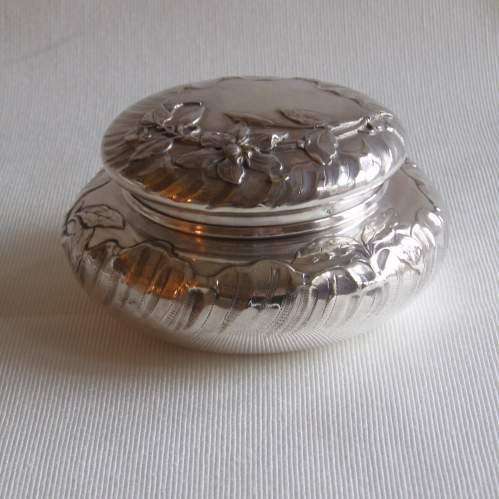 French Silver Powder Box by Eugene Lefebvre Circa 1900 image-1