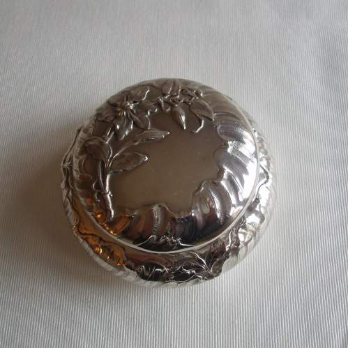 French Silver Powder Box by Eugene Lefebvre Circa 1900 image-3