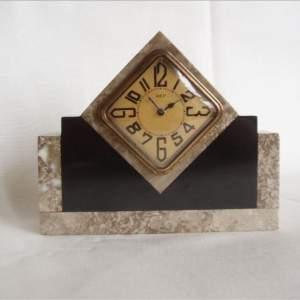 Small 1930s Art Deco Mantel Clock