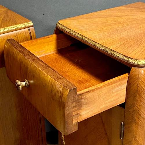 Pair of Quality Art Deco Bedside Cabinets image-3