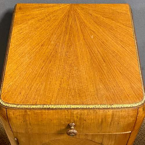 Pair of Quality Art Deco Bedside Cabinets image-5