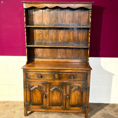 Mid 20th Small Oak Dresser with Plate Rack image-1