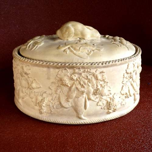 Large Victorian Wedgwood Hare and Game Bird Top Pie Dish image-1