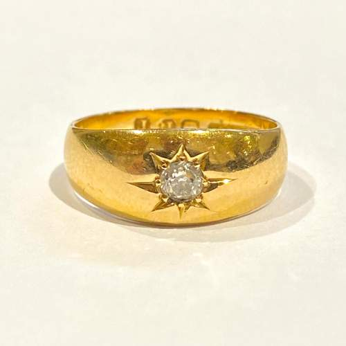 Early 20th Century Heavy 18ct Gold Diamond Ring image-2