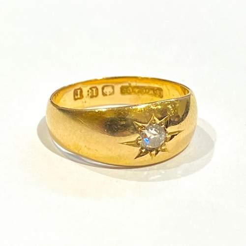 Early 20th Century Heavy 18ct Gold Diamond Ring image-1