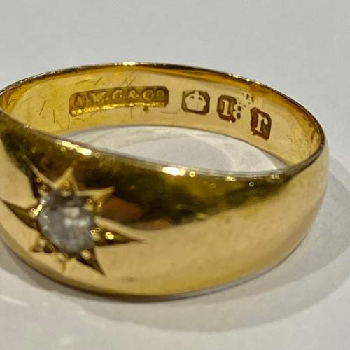 Early 20th Century Heavy 18ct Gold Diamond Ring image-3