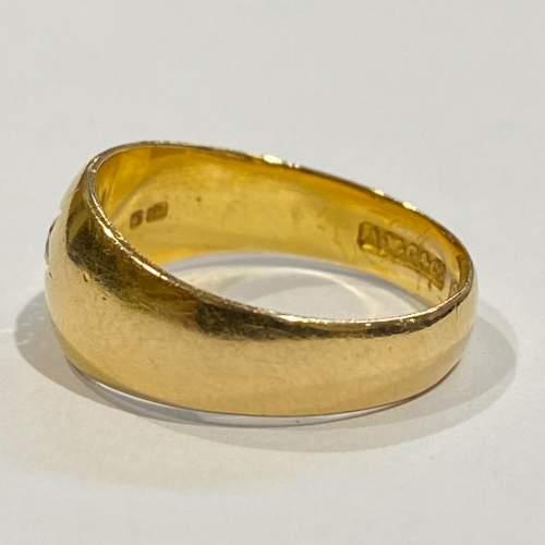 Early 20th Century Heavy 18ct Gold Diamond Ring image-4