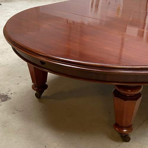 Very Rare Early Victorian Mahogany Dining Table with Six Leaves image-3