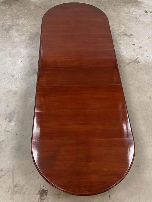 Very Rare Early Victorian Mahogany Dining Table with Six Leaves image-5