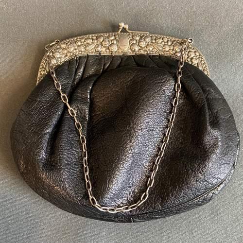 Antique Silver Framed Leather Evening Bag image-4