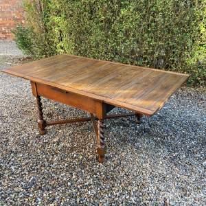 Large Oak Draw Leaf Dining Table