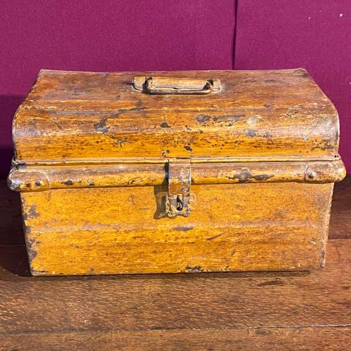 Vintage 1930s Small Metal Trunk image-2