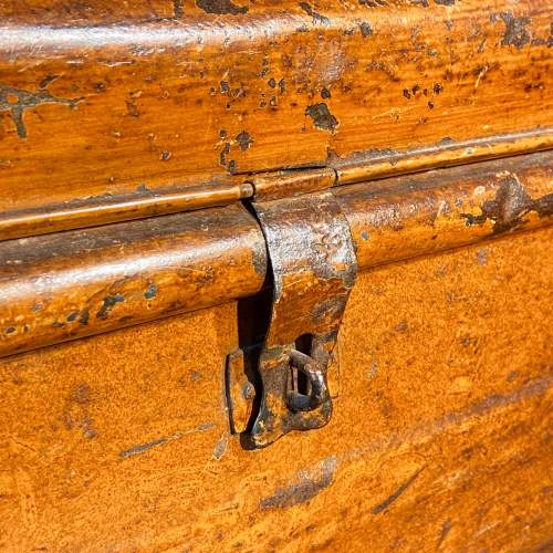 Vintage 1930s Small Metal Trunk image-4