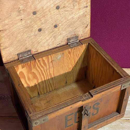 Small Wooden Egg Box image-3
