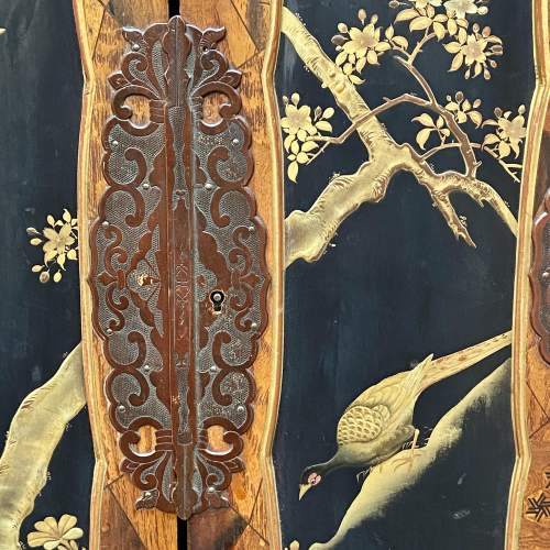Fine Oriental Inlaid Lacquered Cabinet image-2