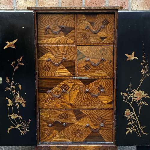 Fine Oriental Inlaid Lacquered Cabinet image-3