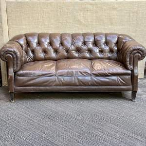 Early 20th Century English Traditional Leather Chesterfield Sofa