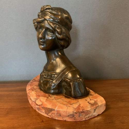 French Art Nouveau Bronze Bust of a Lady image-3