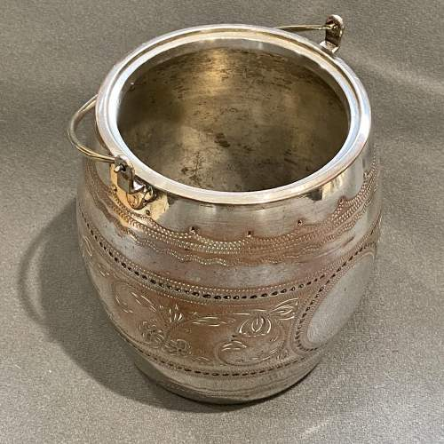 Victorian James Deakin Silver Plated Biscuit Barrel image-3