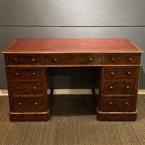 Early 19th Century Mahogany Pedestal Desk
