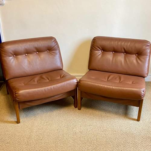 Pair of 1960s Faux Leather Buttoned Back Chairs image-1