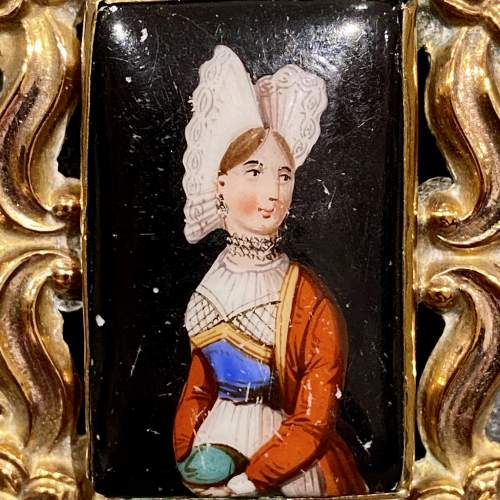19th Century Porcelain Brooch image-2