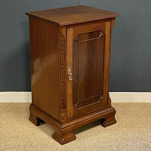Early 20th Century Mahogany Bedside Cupboard