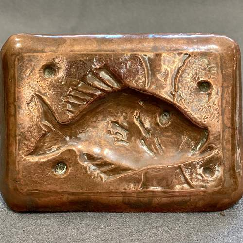 20th Century Newlyn Copper Pin Tray of a Fish image-2