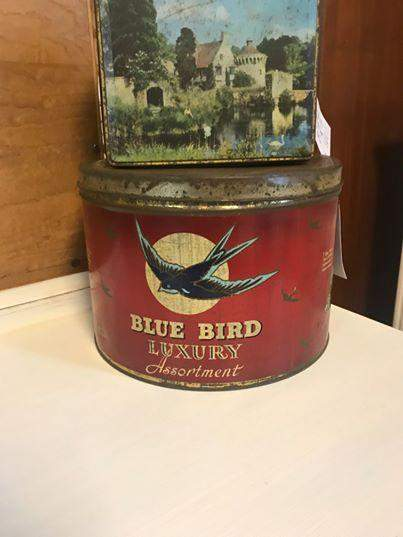 Large Vintage Collectors Blue Bird Assortment Chocolate Tin image-2