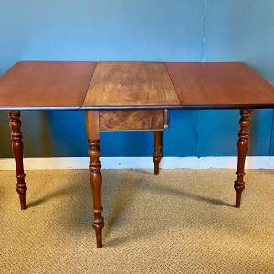 20th Century Mahogany Drop Leaf Dining Table
