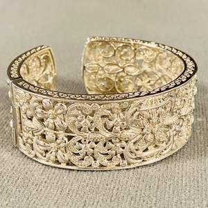 Fabulous Silver Diamond Hinged Bangle