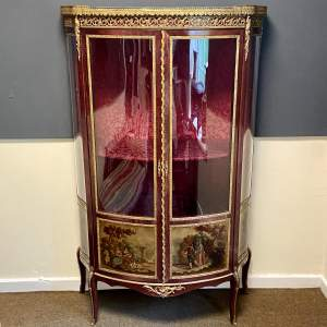 Decorative Early 20th Century Kingwood and Gilt Metal Vitrine