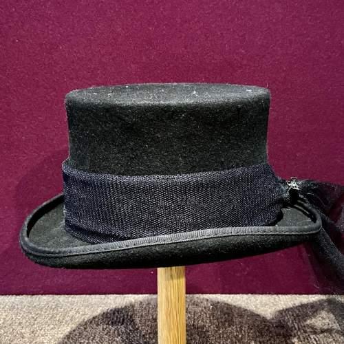 Vintage Ladies Top Hat with Trail image-1