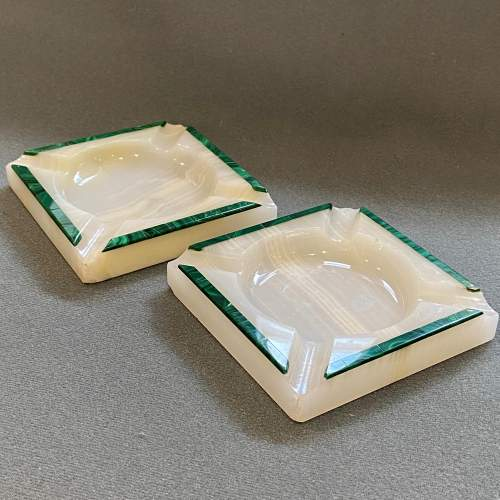 Pair of Henry Griffiths and Son Art Deco Onyx Ashtrays image-1