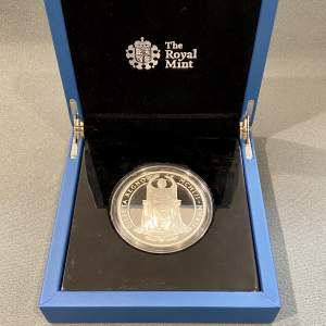 Queen Elizabeth II Diamond Jubilee Silver 5oz Coin
