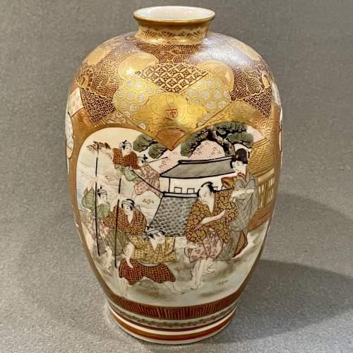Japanese Satsuma Cabinet Vase image-2