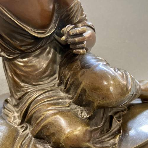 Bronze Figure of a Girl with a Lizard image-4