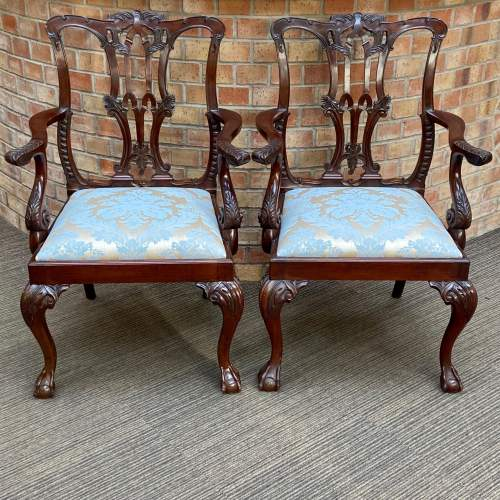 Set of Eight Victorian Mahogany Dining Chairs image-2