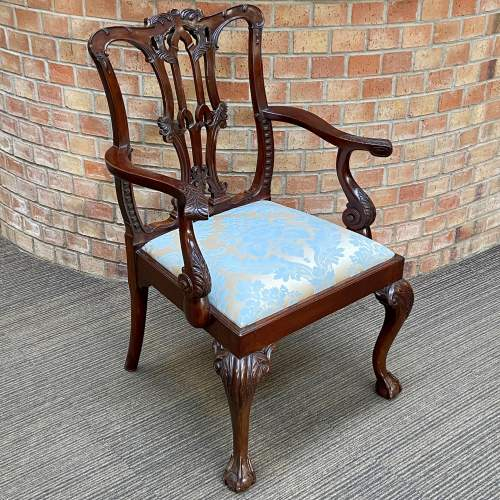 Set of Eight Victorian Mahogany Dining Chairs image-3