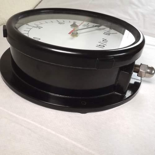 Large Vintage Bakelite Pressure Gauge Wall Clock Conversion image-2
