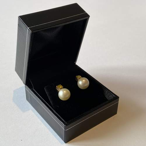 18ct Gold Yellow Diamonds and Cultured Pearl Earrings image-1