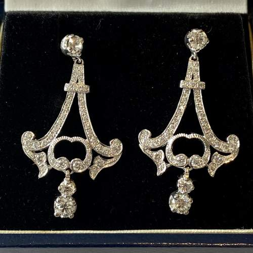 Quality Pair of 18ct White Gold and Diamond Earrings image-2