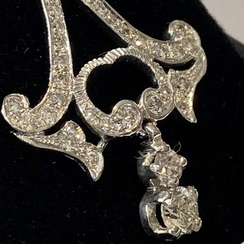 Quality Pair of 18ct White Gold and Diamond Earrings image-3