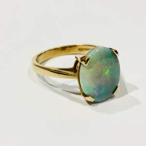 Vintage 9ct Gold Opal Solitaire Ring