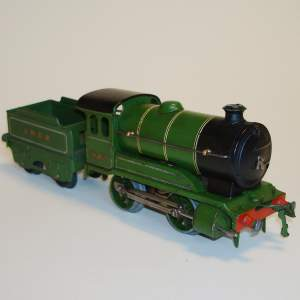 Hornby LNER 0-4-0 Locomotive and Tender