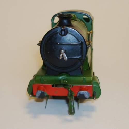 Hornby LNER 0-4-0 Locomotive and Tender image-2