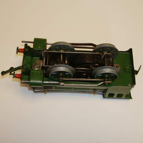 Hornby LNER 0-4-0 Locomotive and Tender image-5