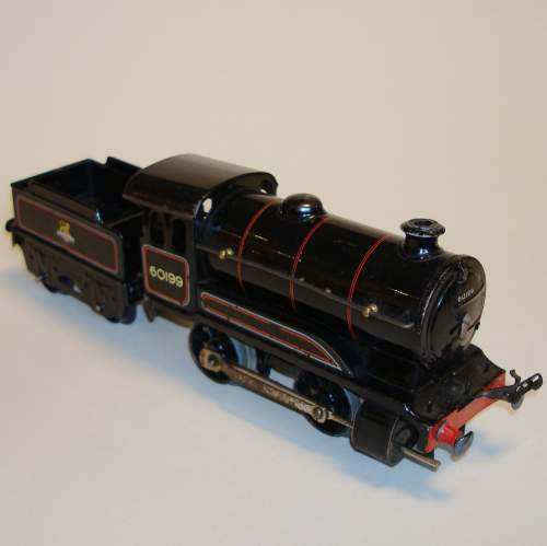 Hornby BR 0-4-0 Locomotive and Tender image-1