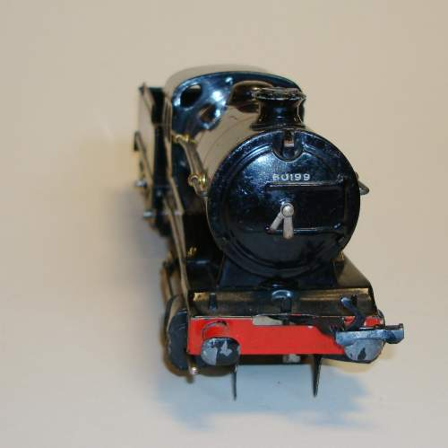 Hornby BR 0-4-0 Locomotive and Tender image-3
