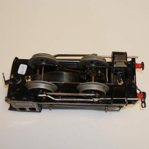 Hornby BR 0-4-0 Locomotive and Tender image-5